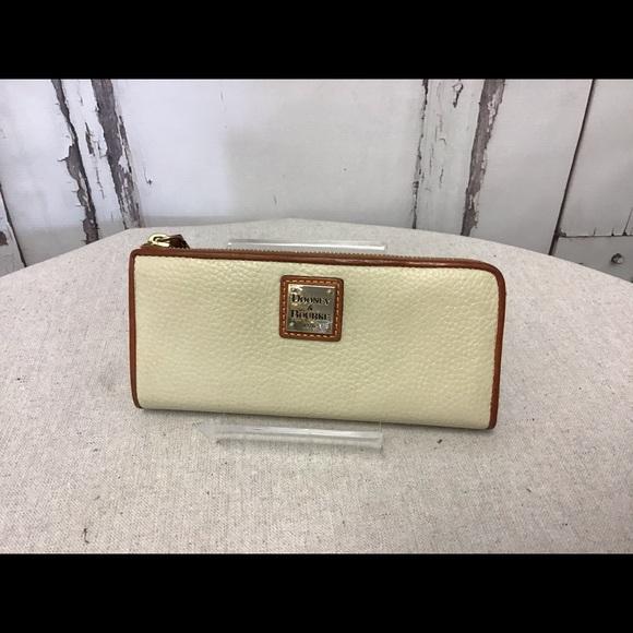 Dooney & Bourke Handbags - Dooney & Bourke Cream Pebbled Leather Zip Wallet